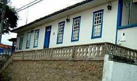 Bonfim - Bonfim-MG-Casarão colonial no centro-Foto:Gabriel Junior Chan