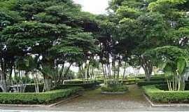 Bonfim - Bonfim-MG-Praça da Matriz-Foto:roni assis