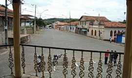 Bonfim - Bonfim-MG-Rua principal vista do coreto-Foto:roni assis