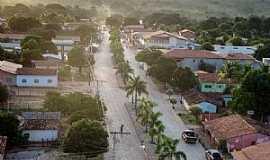 Bonito de Minas - Bonito de Minas-MG-Vista aérea da Avenida Central-Foto:Denes Melo