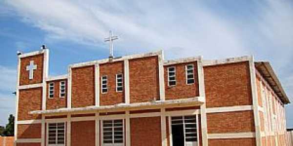 Bonito de Minas-MG-Igreja do Divino Pai Eterno-Foto:Vicente A. Queiroz