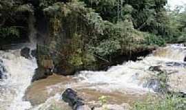 Borda da Mata - Borda da Mata-MG-Cachoeira da Usina no Rio Mogi-Foto:www.flickr.com