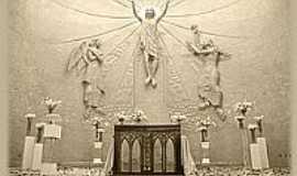 Botelhos - Altar da nova igreja