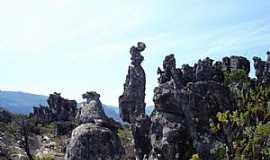 Botumirim - Botumirim-MG-Formações rochosas-Foto:Wilson Ferreira Santos