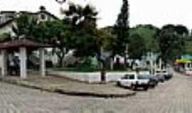 Braúnas - Braúnas-MG-Praça da Matriz-Foto:joubesa
