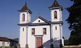 Brumal - Matriz de Santo Amaro Abade-Foto:Vicente A. Queiroz