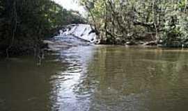 Bueno Brand�o - Cachoeira do Sossego em Bueno Brand�o-MG-Foto:Ernandes C Santos