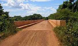 Buritis - Ponte sobre o Rio Urucuia