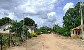 Caatinga - Caatinga-MG-Rua do distrito-Foto:Denis Conrado