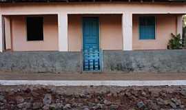 Caçarema - Caçarema-MG-Residência do distrito-Foto:aquiondeeumoro.