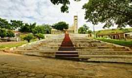 Cachoeira Alegre - Escadaria da Igreja São Sebastião-Foto:sgtrangel