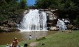 Cachoeira do Brumado - Cachoeira do Brumado, Por C�tia Bonini