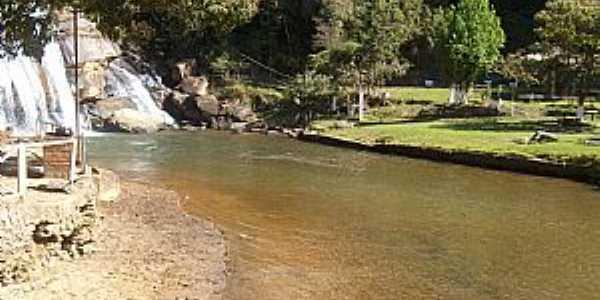 Cachoeira do Brumado-MG-Parque da Cachoeira-Foto:bizuteturismo