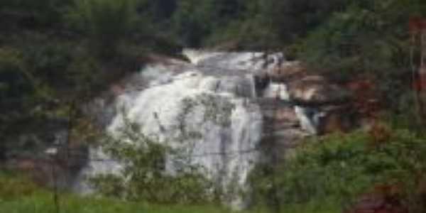 Cachoeira do Brumado/MG, Por MONICA RIBEIRO