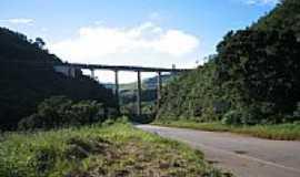 Cachoeira do Campo - Viaduto da Cia Vale do Rio Doce por Geraldo Antonio Salomão