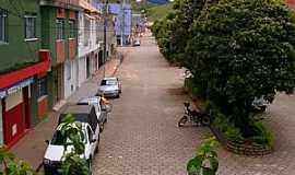 Caiana - Caiana-MG-Avenida Pedro de Oliveira-Foto:walace souza