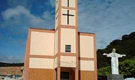Caiana - Caiana-MG-Cristo em frente a Matriz-Foto:ericbl