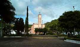 Caiana - Caiana-MG-Igreja Matriz-Foto:ericbl