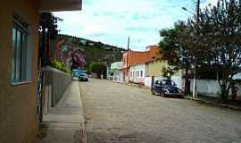Caiana - Caiana-MG-Rua do Parquinho-Foto:ericbl