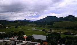 Caiana - Caiana-MG-Vista parcial da cidade e a Serra-Foto:walace souza