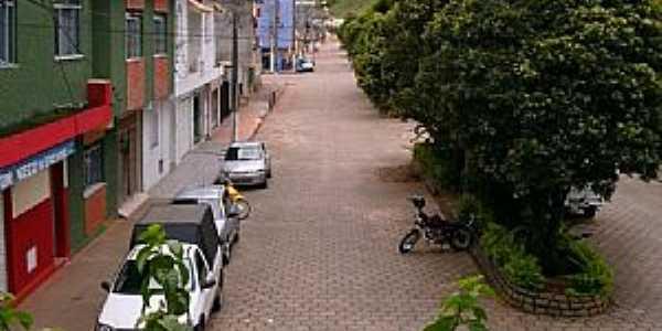 Caiana-MG-Avenida Pedro de Oliveira-Foto:walace souza