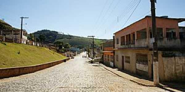 Caiana-MG-Entrada da cidade-Foto:sgtrangel