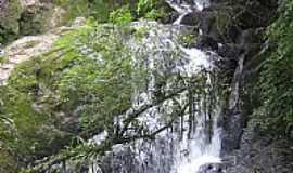 Caldas - cachoeira do mistério por Ulisses G Borges
