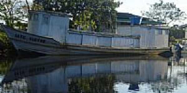 Rio Matapi em Ariri.