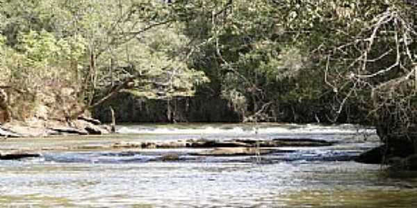 Cambuquira-MG-Cachoeira do Rio Lambari-Foto:Mauro Cambuquira