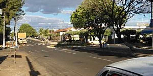 Campina Verde-MG-Avenida 11 no centro-Foto:Danilo Brito