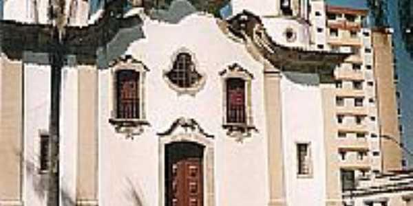 Igreja Matriz de Campo Belo-MG-Foto:montanha