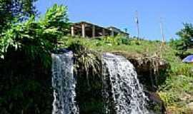 Campos Gerais - Cachoeira na Serra do Paraiso-Foto:Lelo - StatusINFO