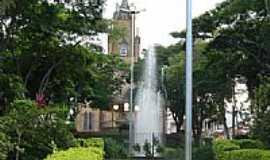 Campos Gerais - Praça e Igreja Matriz-Foto:montanha