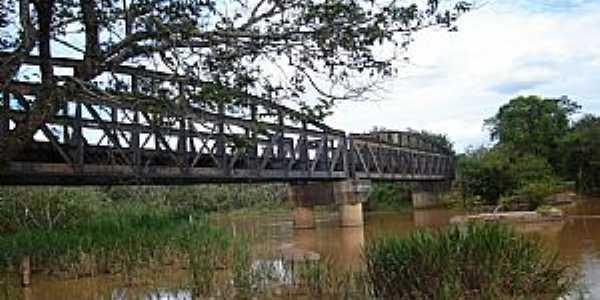 Cana Verde-MG-Pontilhão Ferroviário sobre o Rio Jacaré-Foto:VICENTE FREIRE BARBOSA