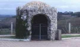 Capela Nova - Gruta da entrada da cidade, Por Site Capelanovamg