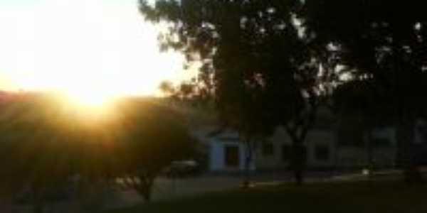 Pôr do Sol na praça da Igreja, Por Marcos Vinícius
