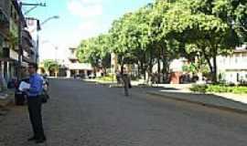 Capitão Andrade - PRAÇA EM CAPITÃO ANDRADE-MG por Jotalu