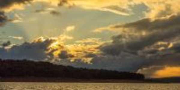 Por do sol no lago de furnas, Por Luiz D S Coelho
