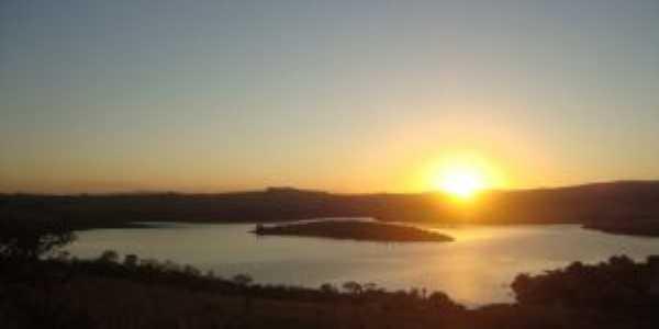 Pôr do Sol - Ilha de Capitólio-MG, Por Rosane Soares de Oliveira