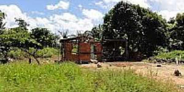 Ruina de casa em área rural de Cantanzal-AP-Foto:en.topictures.