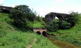 Carandaí - Carandaí-MG-Antigo Pontilhão sobre o Rio Carandaí-Foto:camaracarandai.mg.