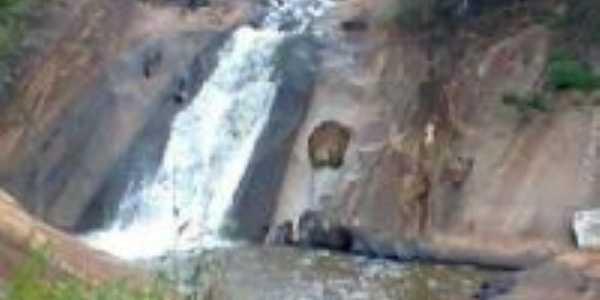 cachoeira das andorinhas, Por daniela silva