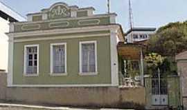 Carmo do Cajuru - Casario antigo