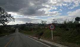 Carmópolis de Minas - Carmópolis de Minas-MG-Chegando na cidade-Foto:marcilva carmópolis