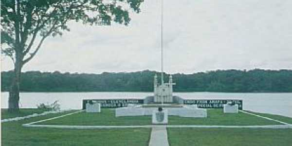 Clevelândia do Norte-AP-Monumento da Área Militar-Foto:Fabrício Souza Dias