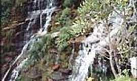 Carrancas - Cachoeira V�u da Noiva