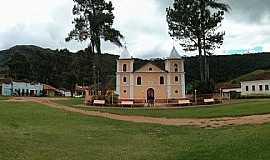 Carvalhos - Igreja no Povoado dos Franceses
