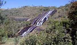 Carvalhos - Cachoeira do V�u da Noiva - 50 mts.de queda-Foto:alanderson-silva