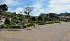 Carvalhos - Pra�a-Foto:Jo�o BC Reis [Panoramio]
