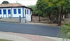 Cascalho Rico - Cascalho Rico-MG-Árvores ao lado do Casarão-Foto:Anivaldo Gonçalves